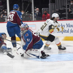 mark-stone-gives-golden-knights-ot-win,-3-2-series-lead
