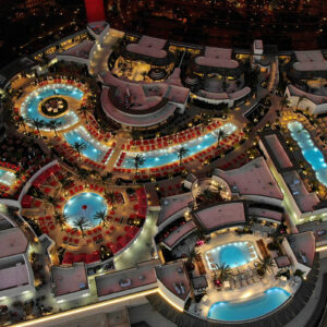 resorts-world-makes-a-splash-with-pool-complex