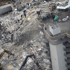 'deep-fire'-slowing-rescue-effort-at-collapsed-florida-condo